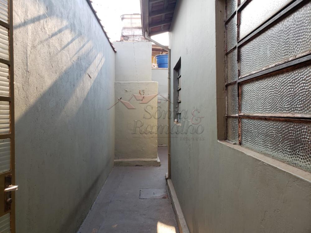 Alugar Casas / Padrão em Ribeirão Preto R$ 700,00 - Foto 4