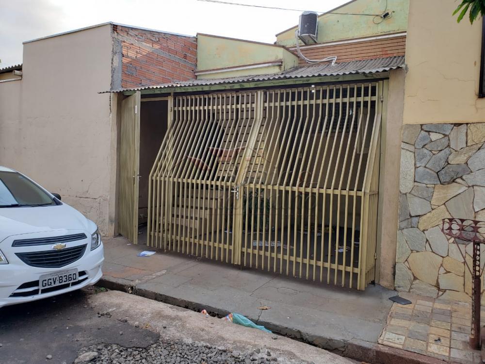 Alugar Casas / Padrão em Ribeirão Preto R$ 700,00 - Foto 1
