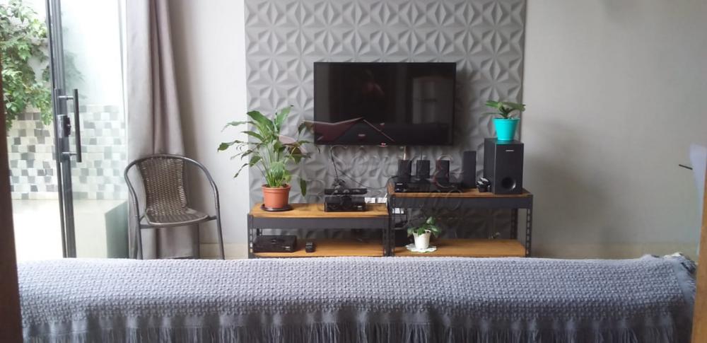 Comprar Casas / Padrão em Ribeirão Preto R$ 270.000,00 - Foto 1