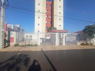 Alugar Apartamentos / Padrão em Ribeirão Preto R$ 850,00 - Foto 1