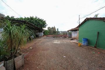 Alugar Terrenos / Lote / Terreno em Ribeirão Preto. apenas R$ 5.400,00