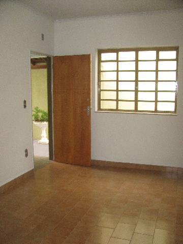 Alugar Apartamentos / Padrão em Ribeirão Preto. apenas R$ 880,00