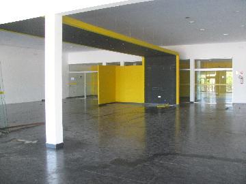 Alugar Comercial / Salão comercial em Ribeirão Preto. apenas R$ 8.000,00