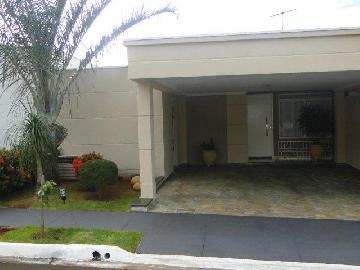 Alugar Casas / Condomínio em Ribeirão Preto. apenas R$ 413.000,00