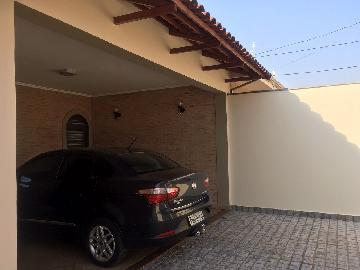 Alugar Casas / Padrão em Ribeirão Preto. apenas R$ 2.400,00