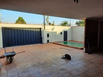 Alugar Casas / Padrão em Ribeirão Preto R$ 3.500,00 - Foto 1