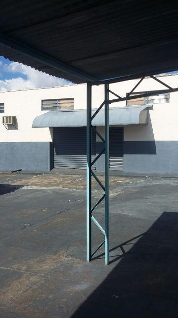 Alugar Comercial / Salão comercial em Ribeirão Preto. apenas R$ 1.700,00