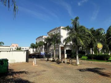 Alugar Apartamentos / Padrão em Ribeirão Preto. apenas R$ 620,00