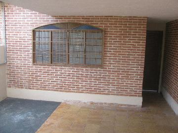 Alugar Casas / Padrão em Ribeirão Preto. apenas R$ 850,00