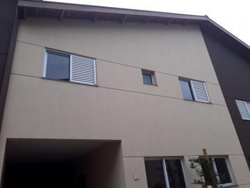 Alugar Casas / Condomínio em Ribeirão Preto. apenas R$ 250.000,00