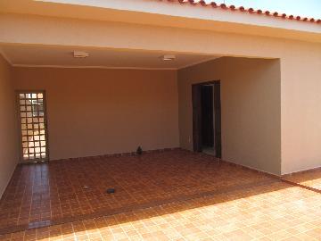 Alugar Casas / Padrão em Ribeirão Preto. apenas R$ 2.000,00