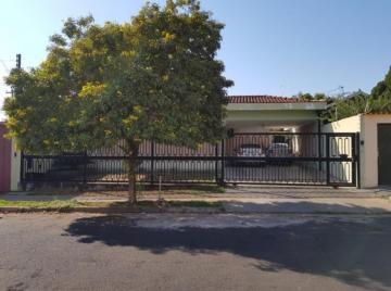 Alugar Casas / Padrão em Ribeirão Preto. apenas R$ 530.000,00