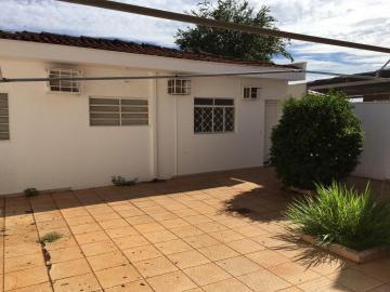 Alugar Casas / Padrão em Ribeirão Preto. apenas R$ 3.300,00