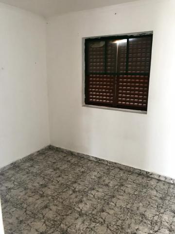 Alugar Apartamentos / Padrão em Ribeirão Preto. apenas R$ 660,00