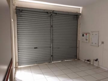 Alugar Casas / Padrão em Ribeirão Preto. apenas R$ 1.900,00