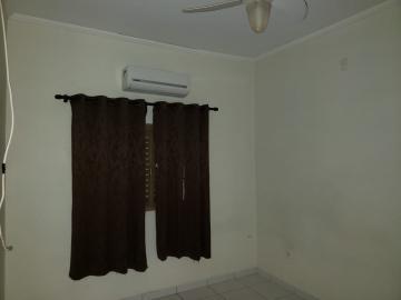 Alugar Casas / Padrão em Ribeirão Preto R$ 700,00 - Foto 8