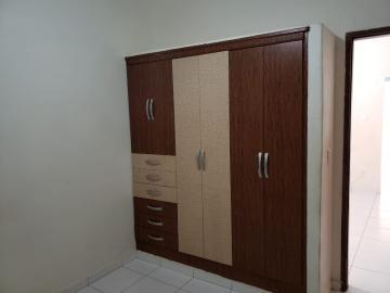 Alugar Casas / Padrão em Ribeirão Preto R$ 700,00 - Foto 9
