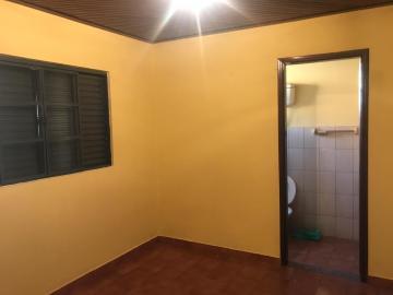 Alugar Casas / Padrão em Ribeirão Preto. apenas R$ 560,00