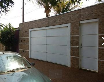 Casas / Padrão em Ribeirão Preto Alugar por R$740,00