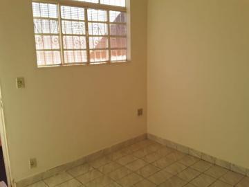Casas / Padrão em Ribeirão Preto Alugar por R$630,00