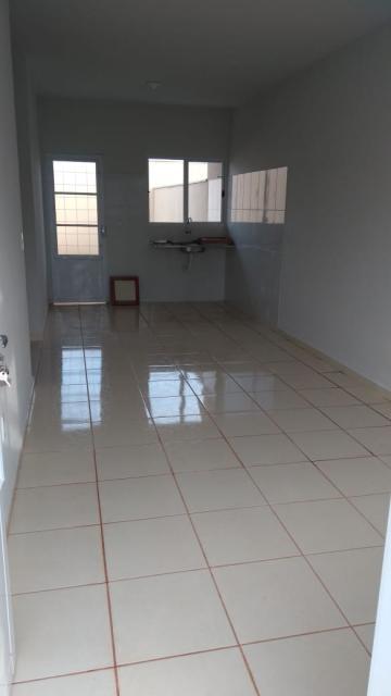Alugar Casas / Condomínio em Brodowski. apenas R$ 680,00