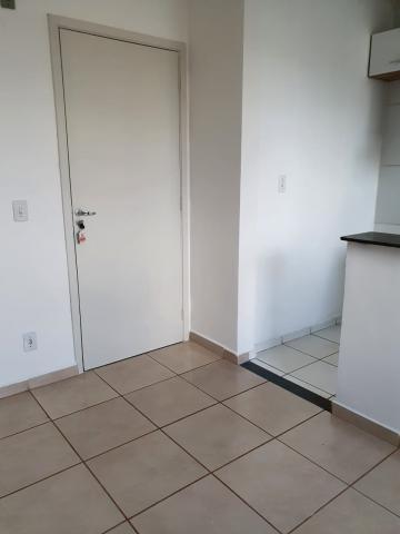 Alugar Apartamentos / Padrão em Ribeirão Preto R$ 850,00 - Foto 2