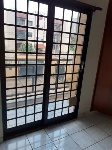 Apartamentos / Padrão em Ribeirão Preto Alugar por R$700,00