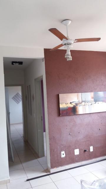 Apartamentos / Padrão em Ribeirão Preto Alugar por R$870,00