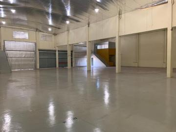 Alugar Comercial / Galpao / Barracao em Ribeirão Preto. apenas R$ 18.000,00