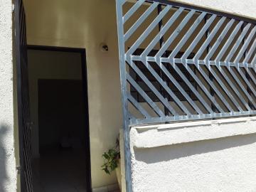 Casas / Padrão em Ribeirão Preto Alugar por R$500,00