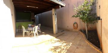 Alugar Casas / Condomínio em Ribeirão Preto. apenas R$ 450.000,00