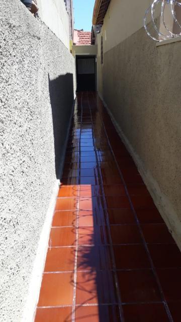 Casas / Padrão em Ribeirão Preto Alugar por R$690,00