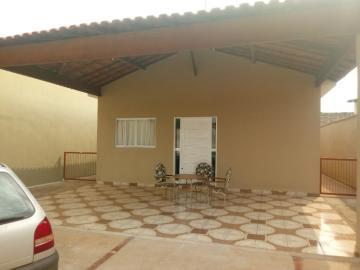 Alugar Casas / Padrão em Cravinhos. apenas R$ 275.000,00