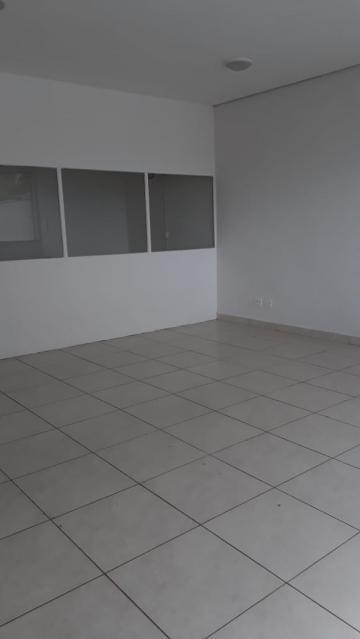 Comercial / Sala em Ribeirão Preto Alugar por R$1.500,00