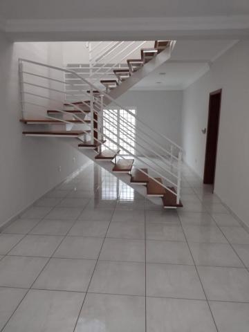 Alugar Casas / Padrão em Ribeirão Preto R$ 2.300,00 - Foto 2