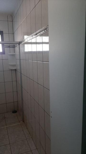 Alugar Casas / Padrão em Ribeirão Preto R$ 1.100,00 - Foto 17