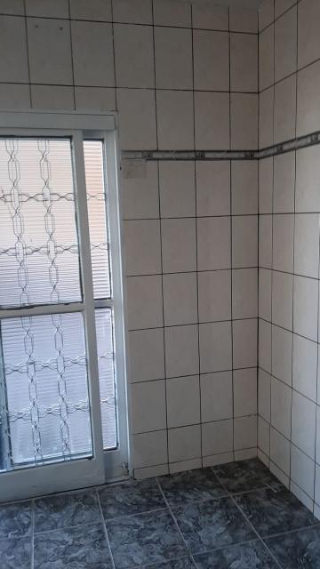 Alugar Casas / Padrão em Ribeirão Preto R$ 1.100,00 - Foto 12
