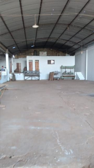 Alugar Comercial / Galpao / Barracao em Cajuru R$ 3.900,00 - Foto 3