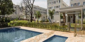 Alugar Apartamentos / Padrão em Ribeirão Preto R$ 1.000,00 - Foto 2
